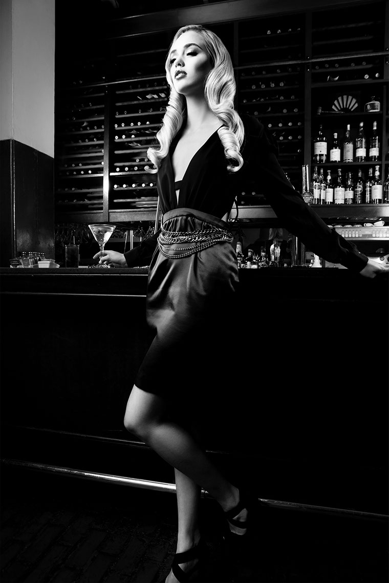 Photography-Fashion_Vintage bar vixen-Kevin Schmitz