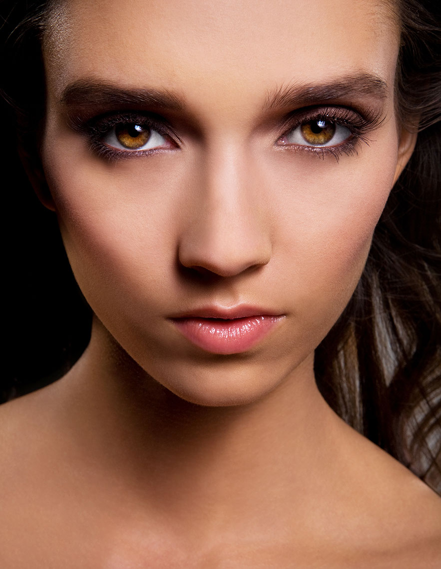 Photography-Portraits_Amber eyes portrait-Kevin Schmitz