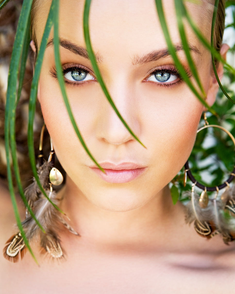 Photography-Portraits_Blue green eyes portrait-Kevin Schmitz