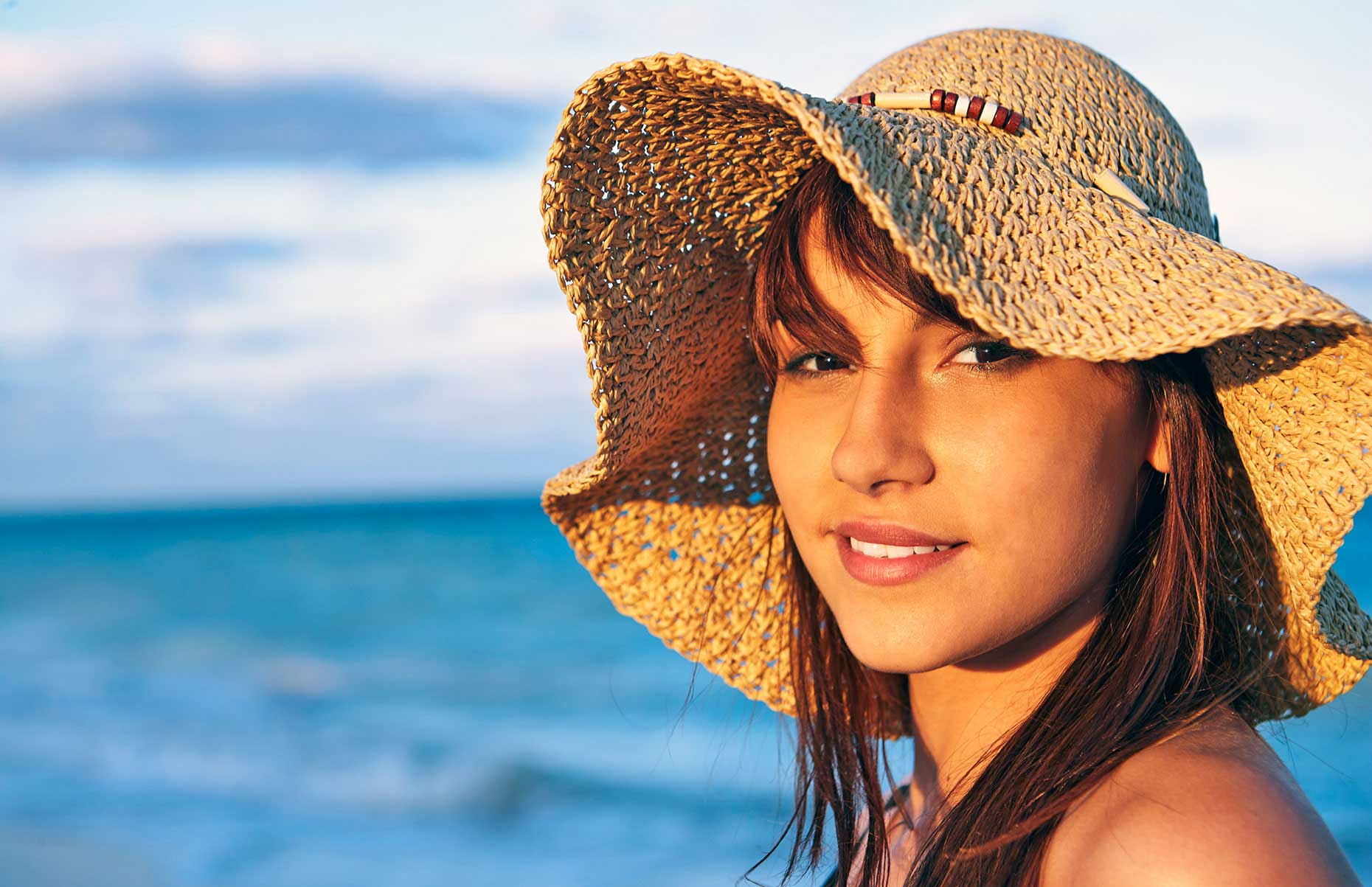 Photography_Children and Teens_Teen Girl in Straw Hat at Beach-Tony Garcia