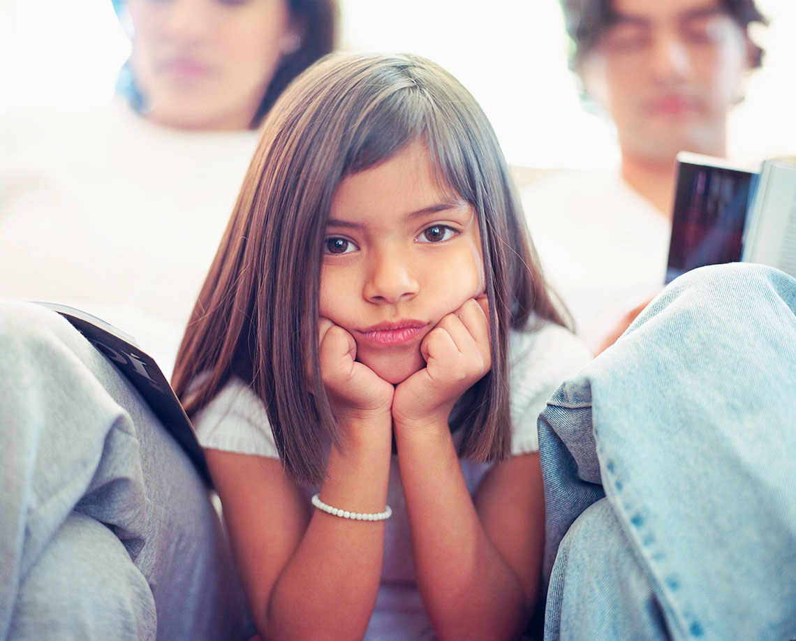 Photography_Children Teens_Bored little girl-Tony Garcia