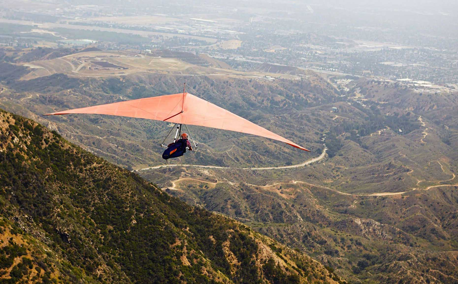 Photography_Lifestyle_Hang Gliding in Mountains-Tony Garcia