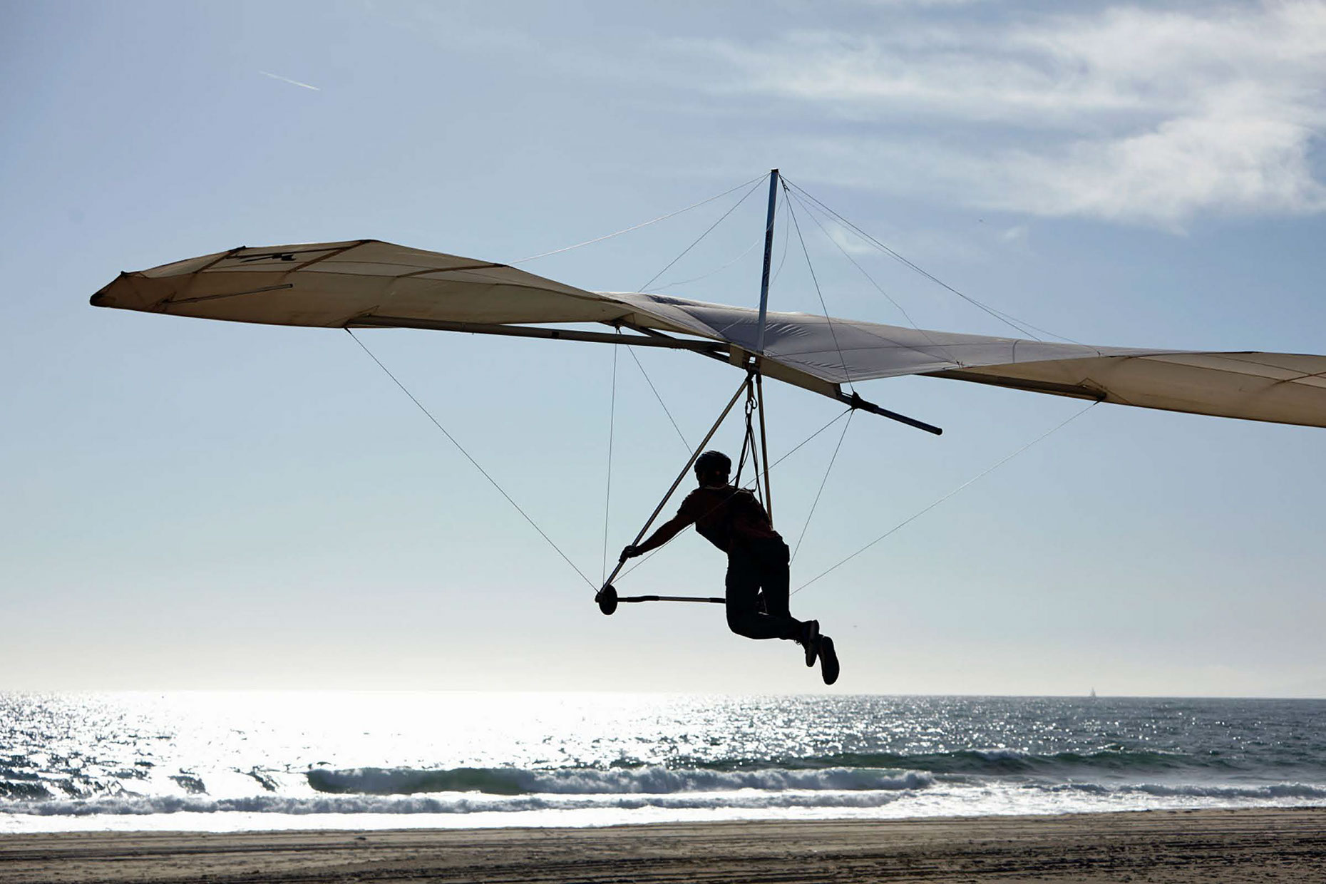 Photography_Lifestyle_Hang Gliding at the Beach-Tony Garcia