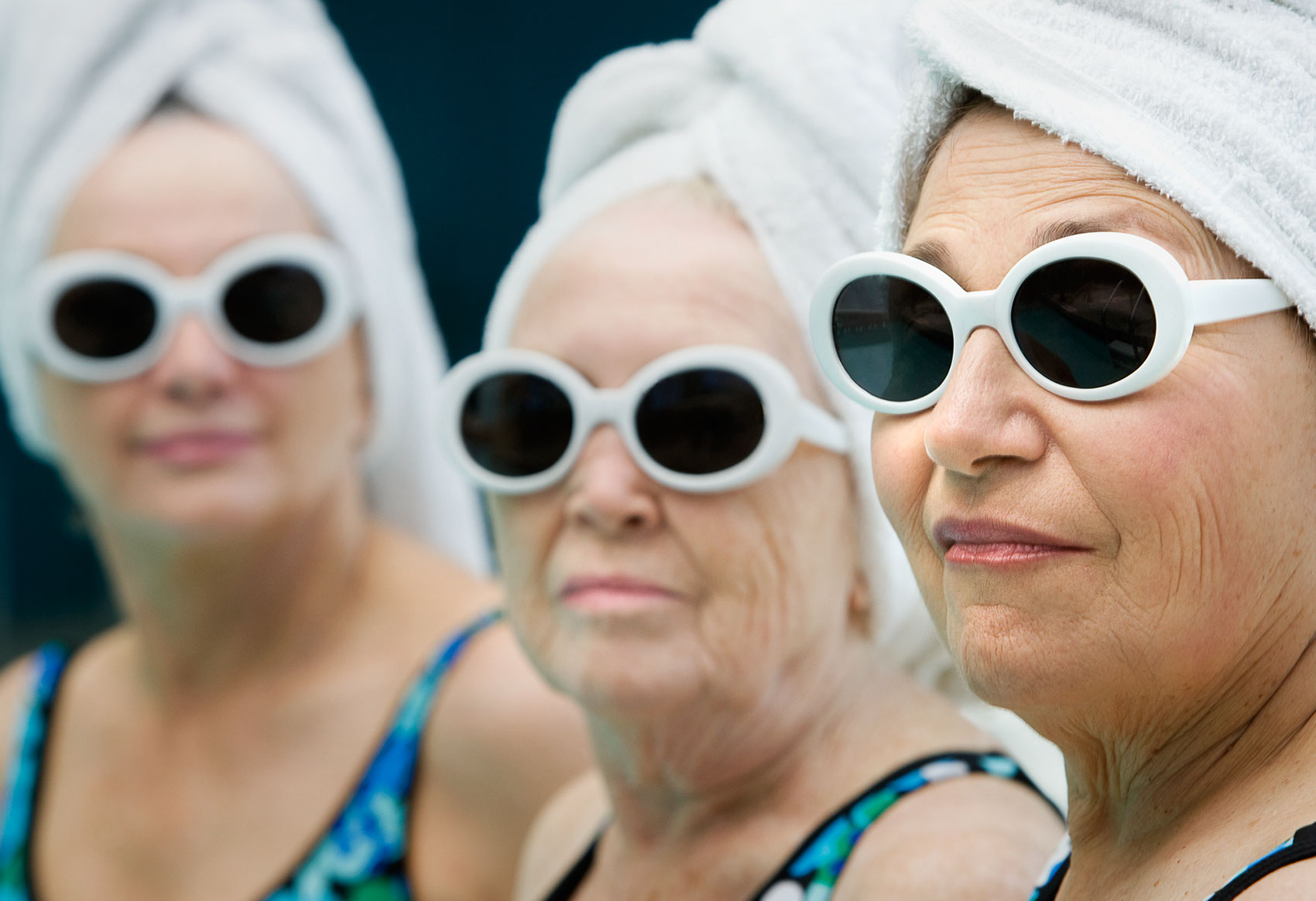Photography_Portraits_Old women at the pool-Tony Garcia